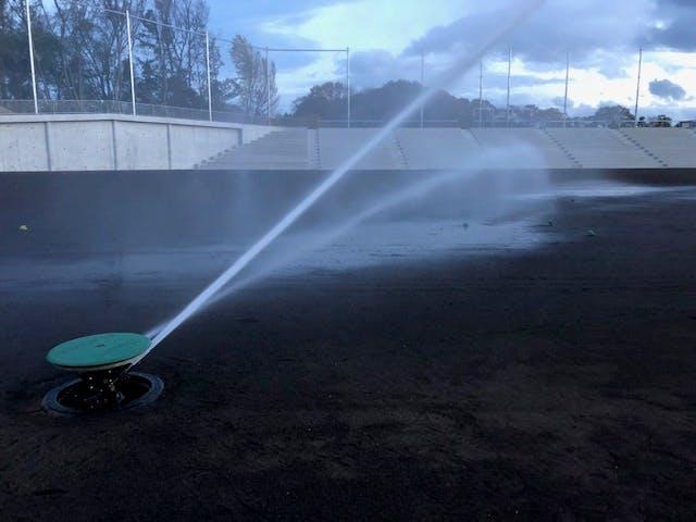 グランド散水 スポーツフィールド 野球場散水 芝生の散水 自動散水 自動灌水 自動潅水 大型スプリンクラー